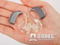 Ветерану из Пряжи подарили слуховой аппарат