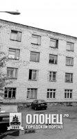 Поэт Николай Абрамов не поехал за границу из-за долгов