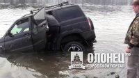 Житель Питкяранты на УАЗе протаранил мост