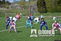 В Сортавале поиграли в футбол на новом поле