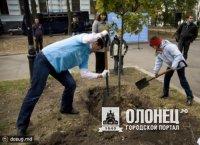 Акции по посадки деревьев!